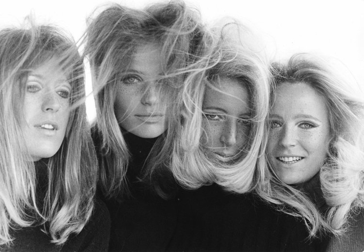 Veruschka and Rubartelli collaborate with her sisters