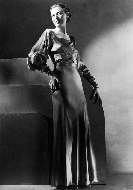 Fashion shot by George Hoyngingen-Huene.