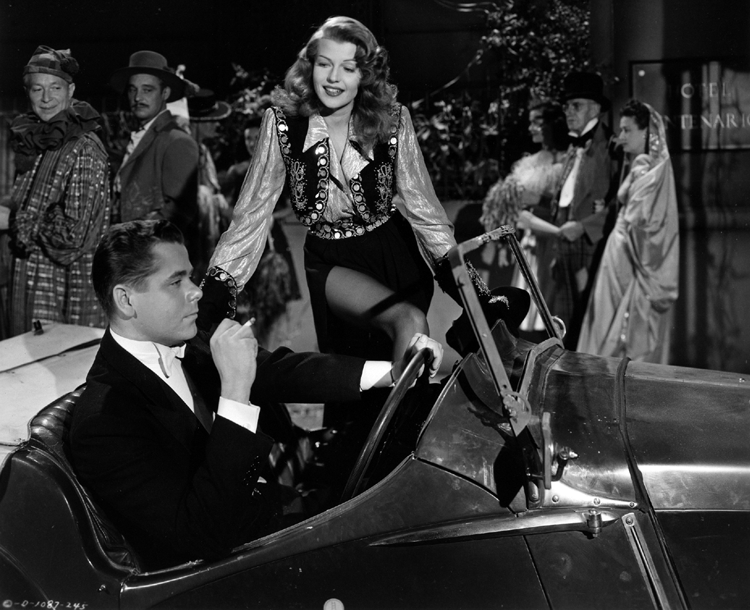 Gilda – Rita Hayworth gets into Glenn Ford's car
